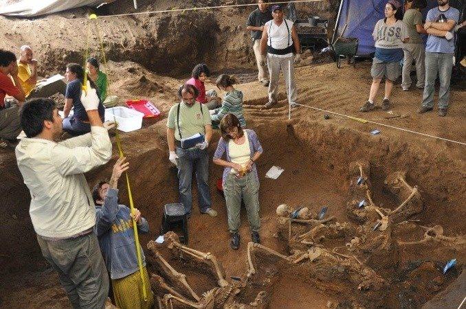 En Argentina buscan identificar cadáveres de 600 víctimas de la dictadura